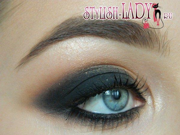 макияж с черными тенями, фото