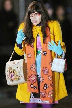 Сочетание цветов в одежде. Подбор цветовой гаммы одежды