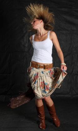 Из фатина юбки стоят колом, но зато ткани нужно горааааздо меньше