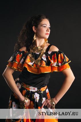 Цыганский стиль одежды