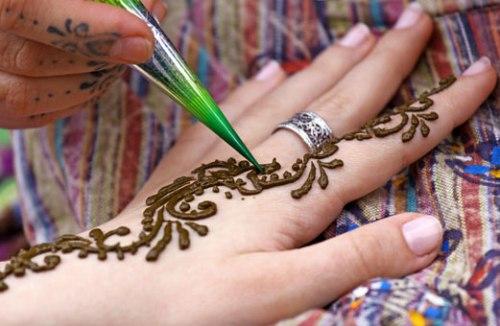 Как сделать временную татуировку дома хной, ручкой или карандашом?