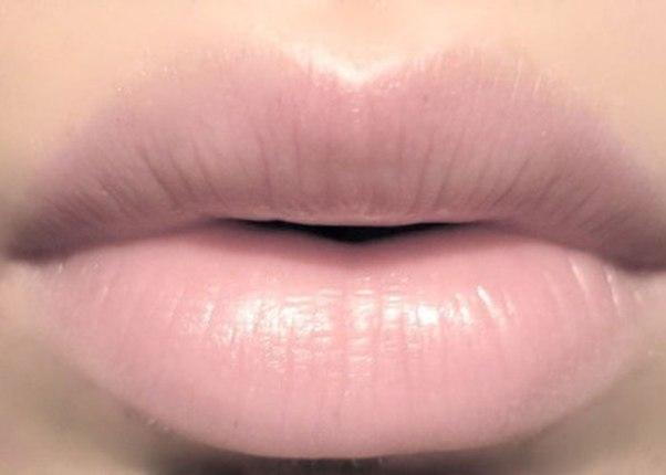Как сделать губы бледными и матовыми