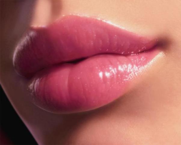 Как сделать так что бы губы были белыми 298