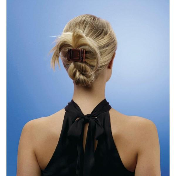 Зная, как красиво закалывать волосы крабом, сделать такую прическу под силу каждой девушке.
