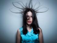 Что делать, если волосы электризуются и почему это происходит?
