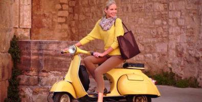Не место в гардеробе скуке. С чем носить желтый свитер, пиджак, кофту, водолазку?