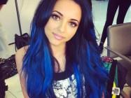 Как покрасить волосы в синий цвет?