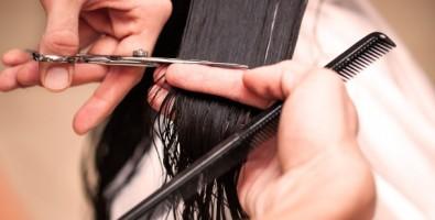 Как правильно стричь волосы?