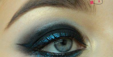 Сине — черный вечерний макияж глаз на Новый год