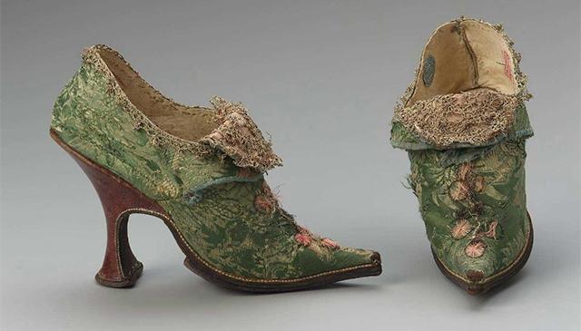 Туфли мюли (XVII век)