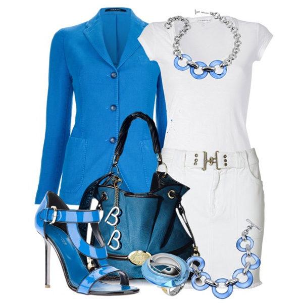 белое платье с голубыми аксессуарами, фото