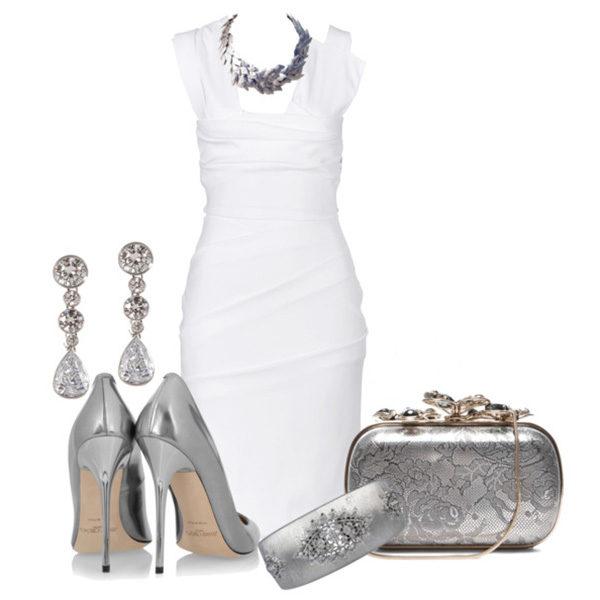 белое платье с серебрянными аксессуарами, фото