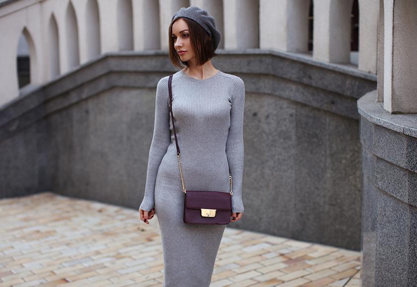 Трикотажное платье с кедами фото