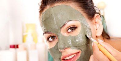 Можно ли избавиться от черных точек на лице с помощью косметической глины